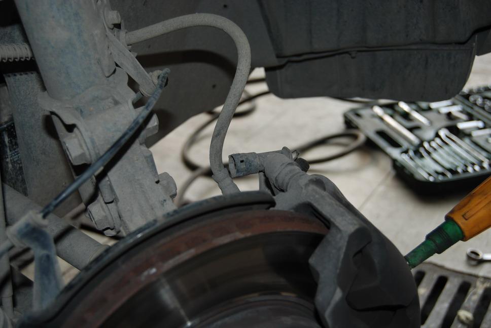 瑞虎10万公里,前轮轴承更换为减噪高清图片