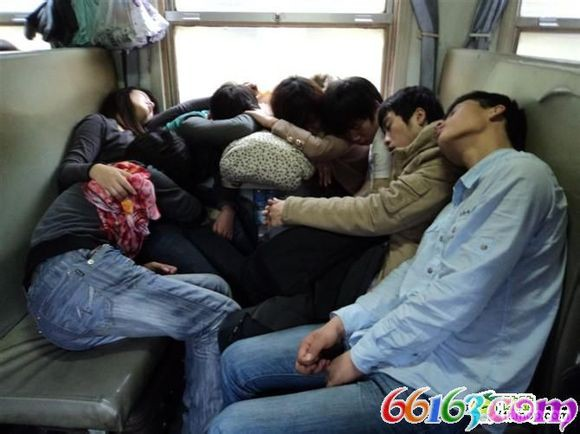 火车上的各种销魂睡姿